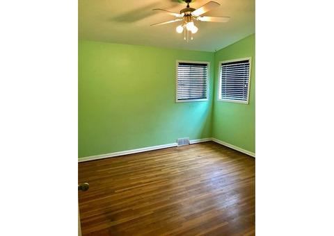 3 BD 2 BATH HOUSE IN SOUTH WINDSOR W/GARAGE & POOL $1850+++